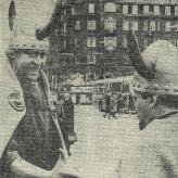 Vikingerne Dirch og Arne Bue på Christianshavns Torv.