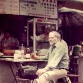 Arne Bue tester autoriseret thailandsk gadekøkken i Bangkok...