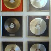 Der blev solgt mange plader med Papa Bue