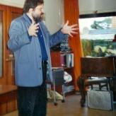 Hans Knudsen forklarer forskellen på blues-sang og tyroler-jodlen...